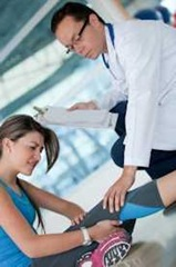 athletic-woman-in-physiotherapy